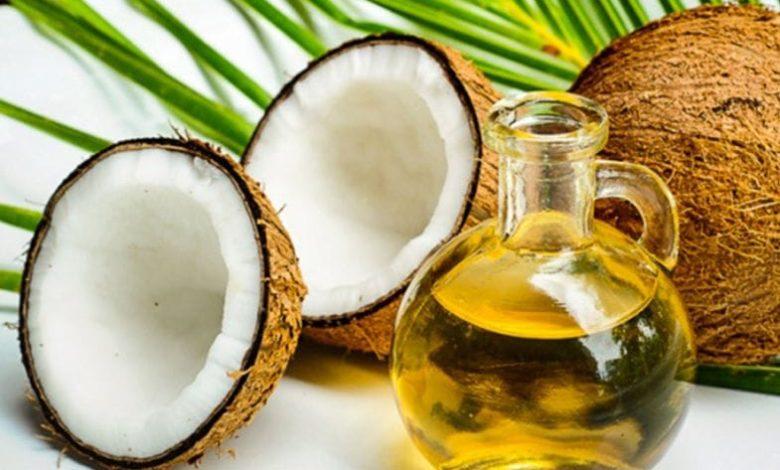 oleo de coco para a queda do cabelo