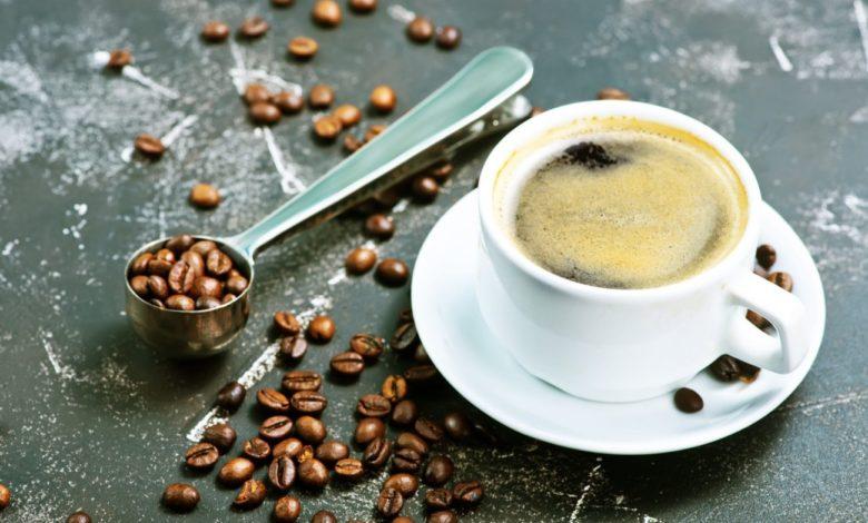qual e a melhor hora para beber cafe
